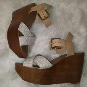 Michael Kors Monogram Wooden Wedged Size 8
